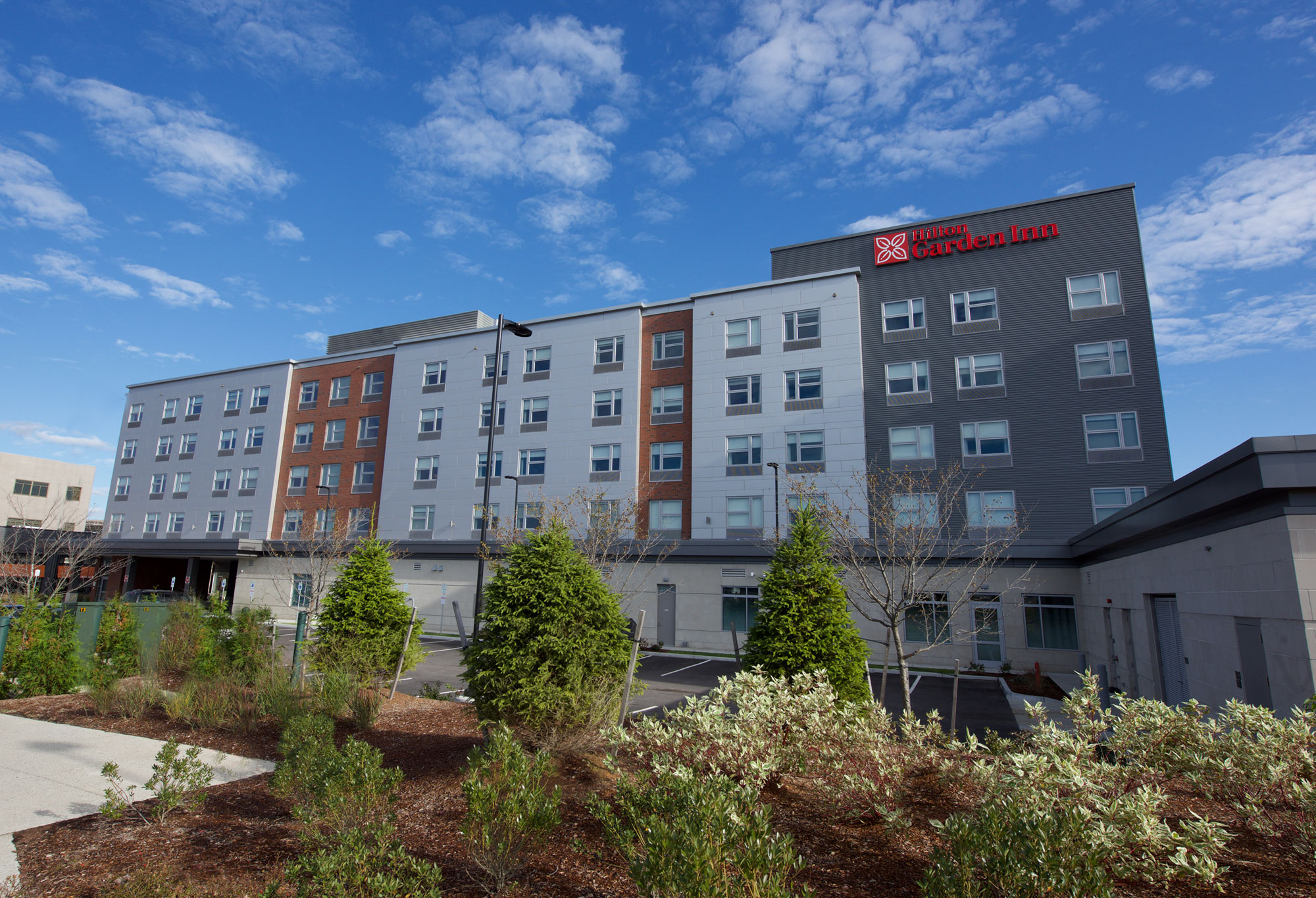 Cei materials assists architects in hilton worthy of new england patriots fans news press for Hilton garden inn patriot place
