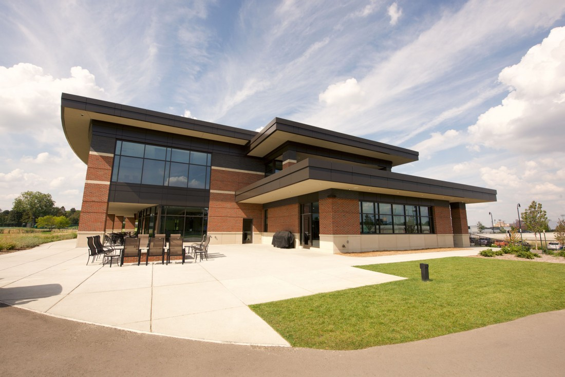 University Michigan Golf Clubhouse, Ann Arbor, Partners Sirny Architects, JS Vig Construction, CEI Materials R4000